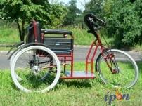 Wózek inwalidzki z napędem ręcznym korbowym