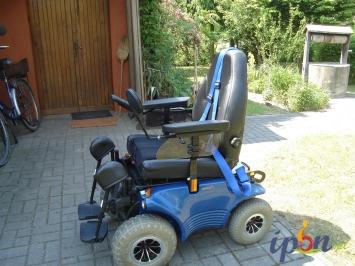 Sprzedam wózek Optimus 2 firmy Meyra z dodatkowym wyposażeniem.
